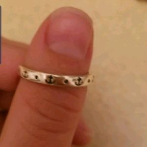 Retired james avery small Anchor ring